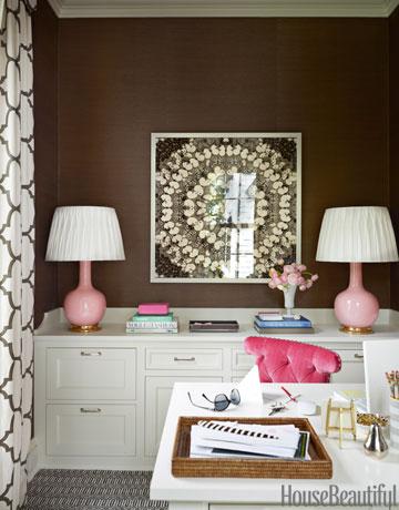 Espaço de trabalho no quarto. Por Ashley Whittaker. Foto: HouseBeautiful
